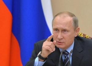 """Donald Trump, Vladimir Putin si congratula: """"Ora le nostre relazioni miglioreranno"""""""
