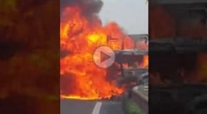 Ragusa-Catania: incidente mortale. Tir prende fuoco