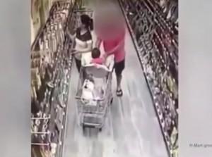 Guarda la versione ingrandita di Si distrae per fare la spesa ed un uomo tenta di rapire la figlia