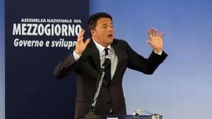 """Referendum, Renzi a Napoli: """"Occasione per fare chiarezza"""". Scontro manifestanti-polizia"""