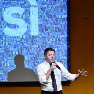 """Referendum, Renzi: """"Rischio governo tecnico: solo votando Sì potete scongiurarlo"""""""