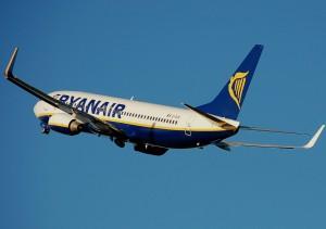 Ancona, atterraggio di emergenza per aereo Ryanair: problemi agli stabilizzatori alari