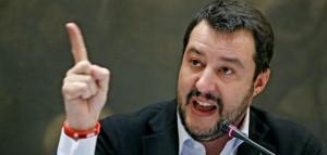 Guarda la versione ingrandita di Preti contro Salvini: