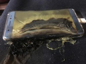 Samsung, anche Galaxy S7 esplode dopo il Note 7: allarme in Canada