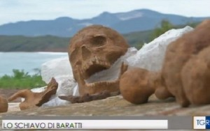 Scheletro incatenato sepolto a Baratti: dopo la strega...lo schiavo