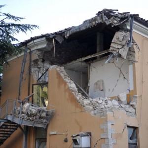 Terremoto Marche e Umbria, nuova forte scossa: oltre 100 nella notte