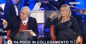 """Maurizio Costanzo contro Vittorio Sgarbi: """"Ti pagano per dire c...?"""" VIDEO"""
