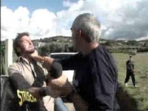Edoardo Stoppa di Striscia la Notizia aggredito a Benevento per servizio su canile