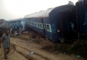 India, treno deragliato: bilancio delle vittime sale a 147 morti