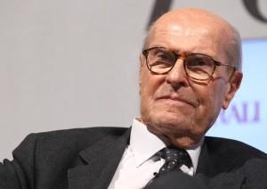 Guarda la versione ingrandita di Umberto Veronesi è morto. L'oncologo aveva 91 anni