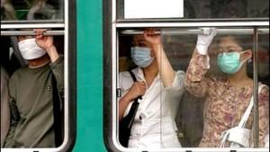 Influenza: il virus viaggia in metro e bus. Come difendersi