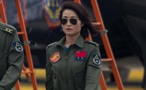 YOUTUBE Top Gun cinese muore: Yu Xu si lancia, colpita da altro aereo