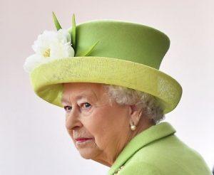 Cosa succede se la Regina Elisabetta muore? Il protocollo da seguire: da Carlo alla Bbc