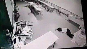 """""""Poltergeist"""" muove tavoli e sedie nell'hotel"""