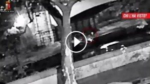 Beau Solomon morto a Roma, video di Chi l'ha visto mostra la caduta nel Tevere