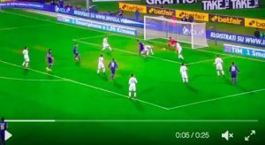 Kalinic video gol tacco Fiorentina-Sassuolo