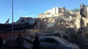 Roma, crolla palazzina ad Acilia per fuga di gas