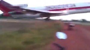 YOUTUBE Colombia: aereo Aerosucre si schianta dopo decollo