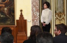 Agnese Renzi e il maglione bianco da 750 euro: le critiche del web FOTO