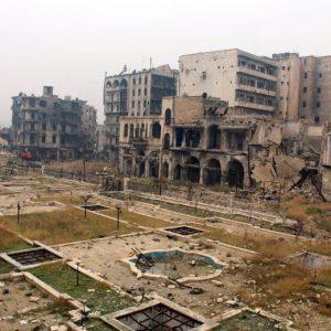"""Siria, assedio finale ad Aleppo. Onu: """"Decine di civili trucidati, bambini in trappola"""""""