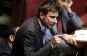 "Alessandro Di Battista (M5s): ""Dal fisco ai migranti, ecco il programma"""