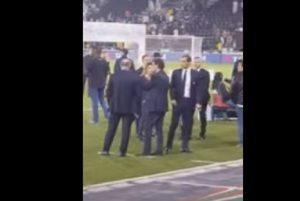 "YOUTUBE Juventus, Allegri sfogo a bordo campo: ""Li prendo a calci nel c..."""