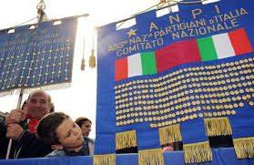"""Bologna, Anpi e studenti trasformano inno Mameli in """"Fratelli in Italia"""". Fi protesta"""