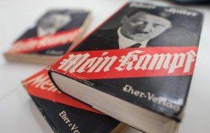 """""""Mein Kampf"""" di Hitler tra i libri preferiti: sondaggio choc tra gli studenti"""