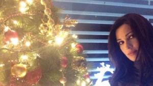 Manuela Arcuri: 9mila euro per accendere l'albero di Natale a Salerno