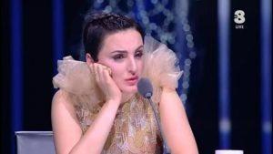 """YOUTUBE X Factor 10, Arisa fischiata. Lei sbotta: """"Raga siete maleducati"""""""