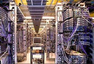 """Il server di Blitz sotto attacco, il nuovo fascismo ha il manganello internet, avevamo definito """"ridicole"""" le lacrime della Raggi"""