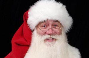 Bimbo malato terminale muore tra le braccia di Babbo Natale: ultimo desiderio