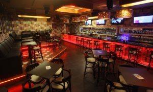 Croazia, conto da 886 euro per 4 drink: camerieri a processo
