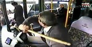 Calciatore turco litiga alla fermata del bus: autista lo allontana così