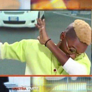 """YOUTUBE Bello FiGo, il rapper che sfotte l'Italia: """"Sono nero e non pago affitto"""""""