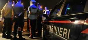 Svaligia casa, ruba auto, fugge al posto di blocco: preso dopo un inseguimento di 40 km