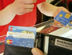 YOUTUBE Carta di credito, 6 secondi per clonarla. Come funziona