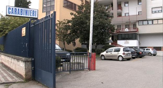 Battipaglia, carabiniere si suicida davanti alla Caserma