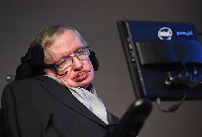 Roma: Stephen Hawking ricoverato per controlli