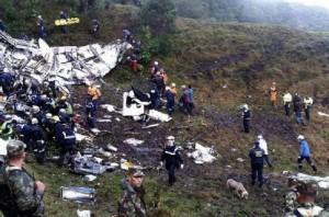 Chapecoense, come ci si salva in aereo che precipita: non alzarsi, valige...