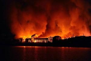 Città della Scienza distrutta da incendio a Napoli: custode condannato a 6 anni