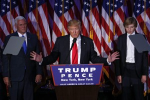 """Trump: ministri due ricconi di Wall Street. Beffati i """"voti anti sistema"""""""