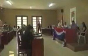 YOUTUBE Evo Morales apre un video a luci rosse davanti alla Corte di Giustizia