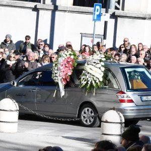"""Funerali di Fabrizia Di Lorenzo, il vescovo: """"Lei migrata perché qui non c'è lavoro"""""""
