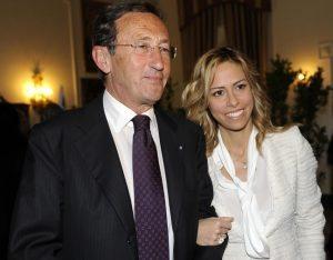 Elisabetta Tulliani e la casa di Montecarlo: era lei il garante per le banche