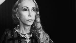 """Franca Sozzani, morta la """"signora della moda"""". Direttrice Vogue Italia"""