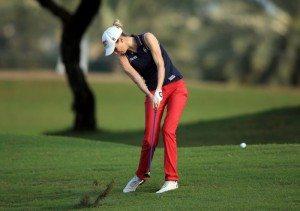 Golf, schock al torneo Ladies di Dubai: caddie si accascia sul campo e muore