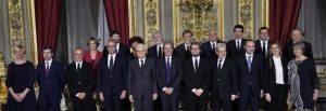 Gentiloni senza coraggio di cambiare i ministri, il Pd resterà in un angolo dove Renzi...