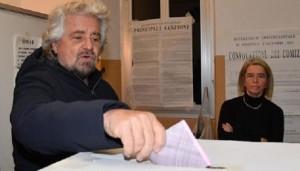 """Referendum, Beppe Grillo esulta: """"E' partito un trenino"""""""