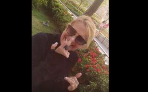 """YOUTUBE Heather Parisi, dito medio a Lorella Cuccarini: """"Litigo con me stessa..."""""""